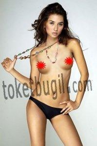 Foto Telanjang Bugil Uli Auliani - foto Toket cantik dan seksi