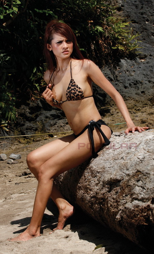 Angelina Wiberia Foto Bikini